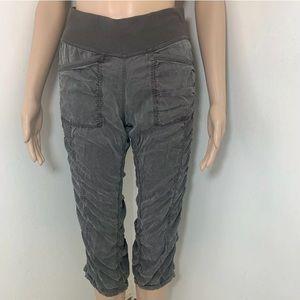 Lululemon Cool Down Crop Pants Green Sz 4